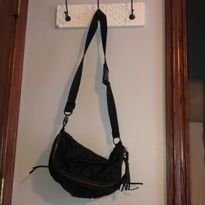 Lululemon cross body zip purse